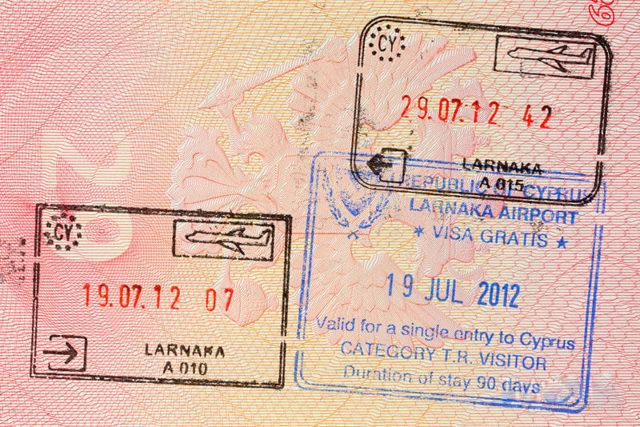 Гражданство Кипра для россиян в 2020 году: как получить за инвестиции, при покупке недвижимости и через брак