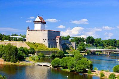 Эмиграция в Эстонию: как переехать на ПМЖ из России, способы, условия, документ