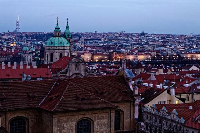 Какие зарплаты получают в Чехии