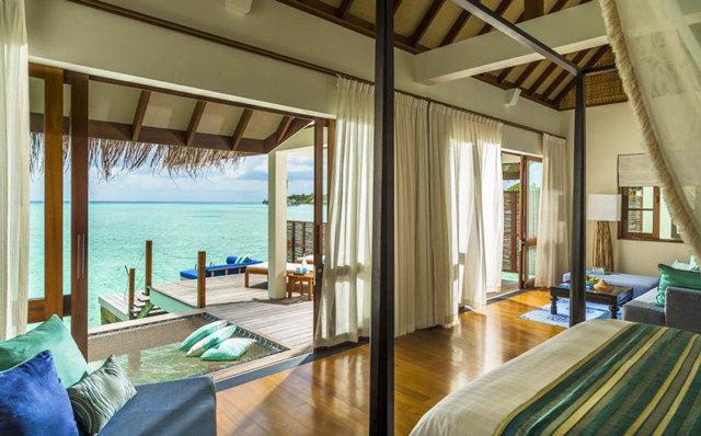 Как отдохнуть на Мальдивах за 50000 рублей?