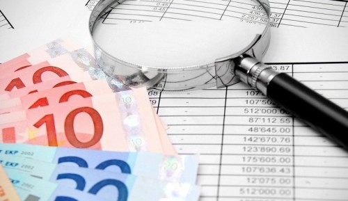 Как проверить долги перед выездом за границу в 2020 году: где узнать