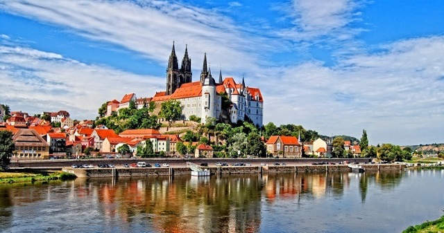 Эмиграция в Чехию: как переехать на ПМЖ из России, способы иммиграции, условия переезда, требования и прочее