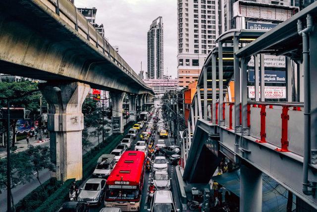 Средняя зарплата в Тайланде по профессиям в 2020 годах